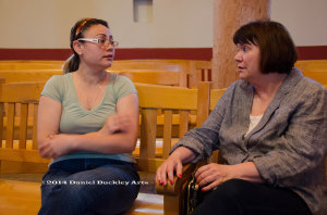 Linda Ronstadt visits undocumented immigrant Rosa Robles Loreto in sanctuary in Tucson.